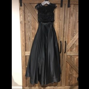 Dave and Johnny Two Piece Gown 1796